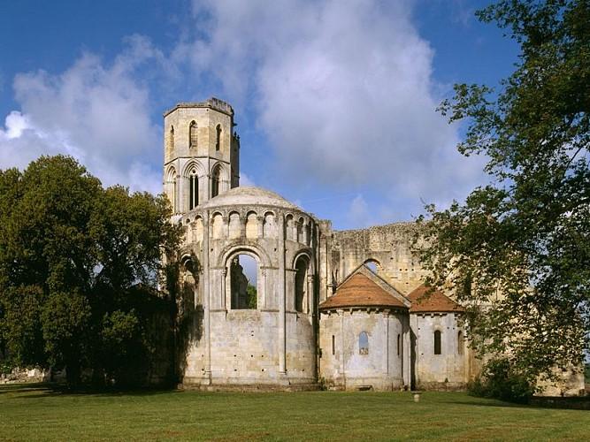 Boucle de La Sauve à pied - Une abbaye en Entre-Deux Mers