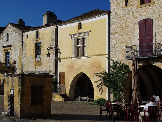 Circuit découverte de Monpazier. Plus beaux villages de France