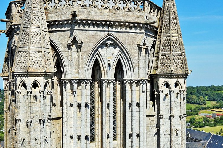 Photo N°1_CATHEDRALE COUTANCES