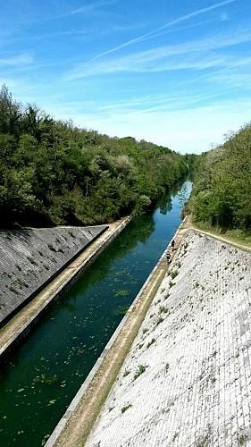 Canal Marans - La Rochelle au niveau de Chagnolet