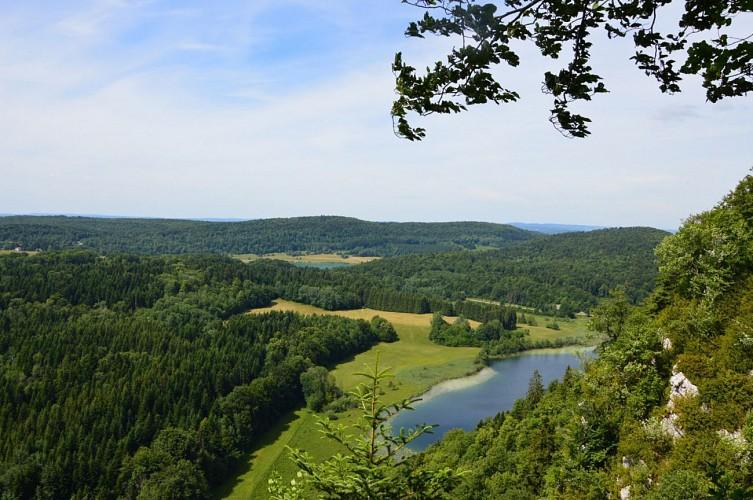 Le pic de l'Aigle, belvédère des 4 lacs et tour des 4 lacs