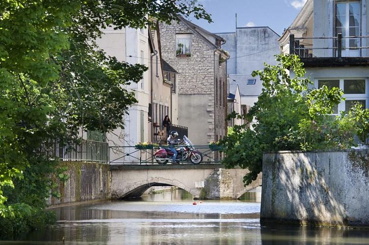 Le Loiret à moto : Le Gâtinais ou la vie sauvage