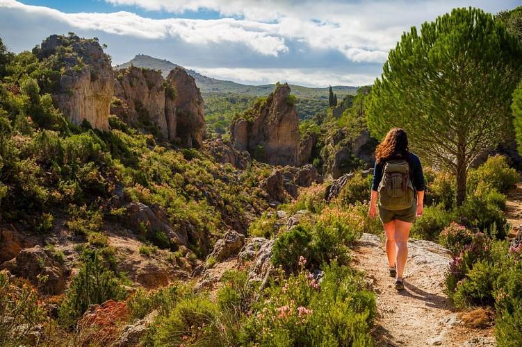 Escapade Nature Sans Voiture dans les Grands Sites de France, de Saint-Guilhem-le-Désert au Salagou - Cirque de Mourèze