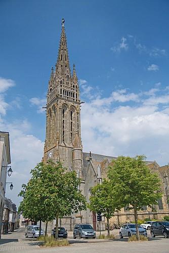 La basilique Notre-Dame-de-La-Guerche