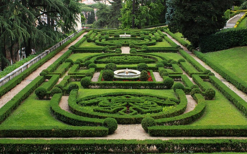 Vatican Gardens Guided Tour with Vatican Museum Access
