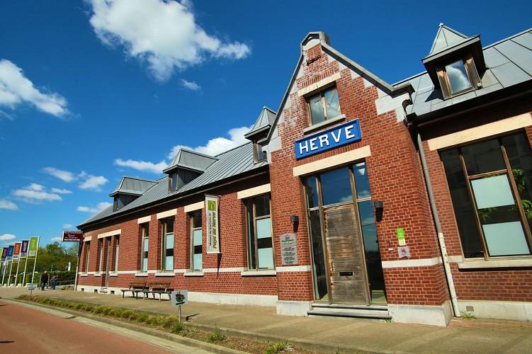 Maison du Tourisme du Pays de Herve-façade rue
