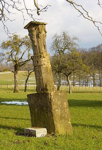 Croix de chemin, rue de la rausch 40, Heckbous