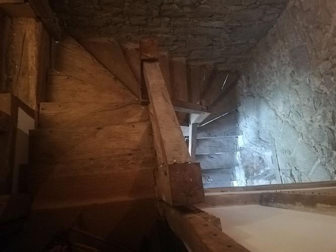 nueil-les-aubiers-chambres-dhotes-le-frene-chabot-2-4pers-escalier