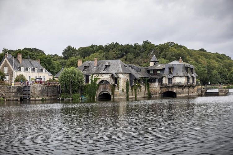 LES CANALOUS - LOCATION DE BATEAUX HABITABLES