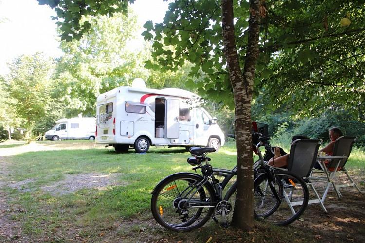 Aire naturelle camping-car Coumet ok