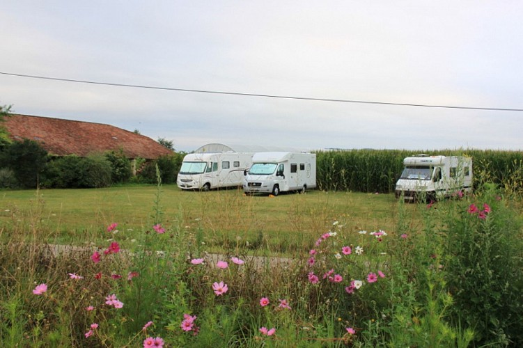 AIRE CAMPING CAR FERME TUILERIES