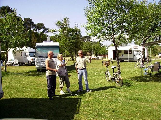 Aire de camping-car à Gastes 2