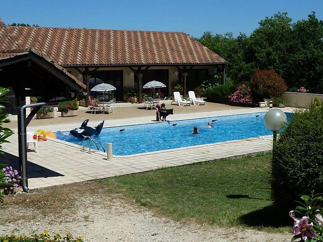 Hôtel_Domaine des Garennes_piscine2