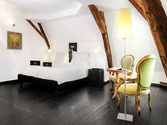 HOTEL CHATEAU LES MERLES