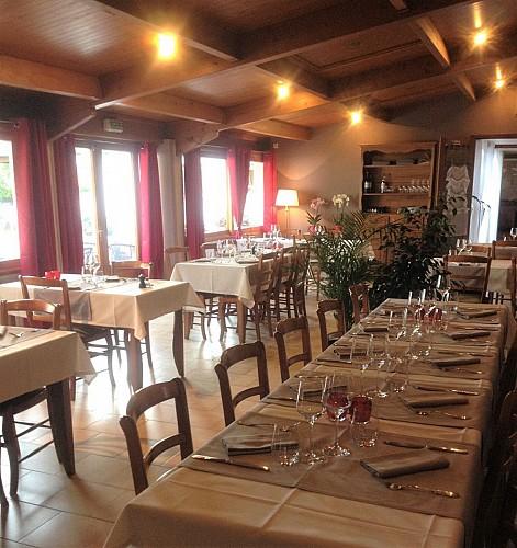 Salle de restaurant Les Arômes