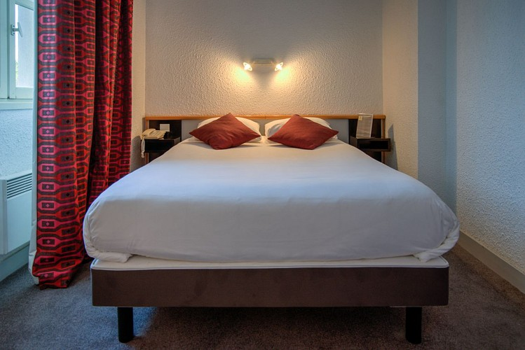 HOTEL_DE_FRANCE_ET_D'ANGLETERRE_CHAMBRE_VisionAir_3