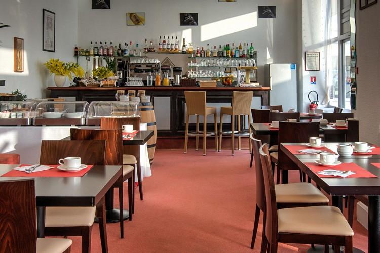 HOTEL_DE_FRANCE_ET_D'ANGLETERRE_CHAMBRE_VisionAir_1