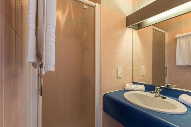 salle_bain_hotel_aliotel_cazere_40