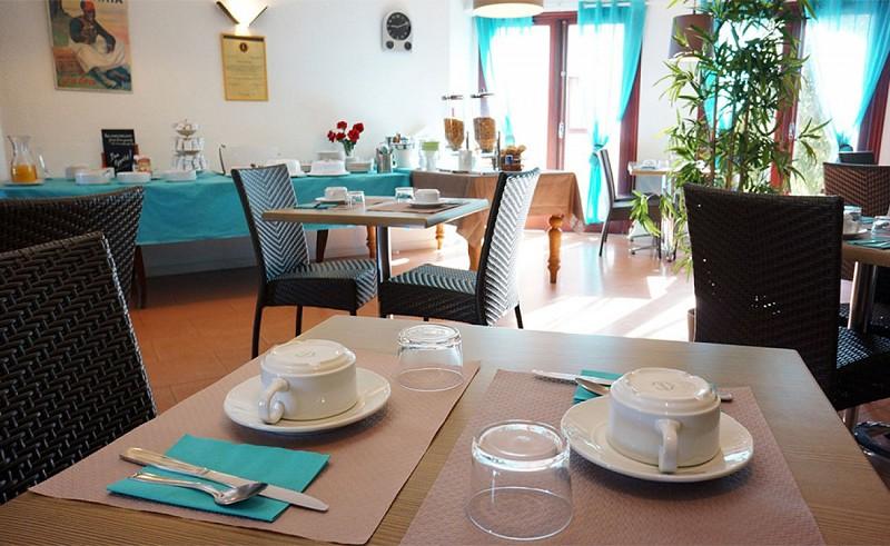 hotel-atlantide-bisca-petit-dejeuner