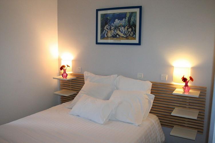 hotel-les-italiens-1