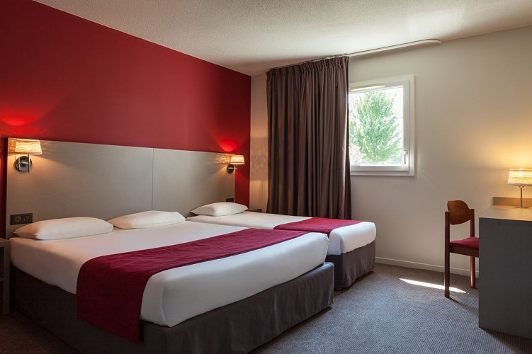 CASTETS_Hôtel Les Bruyères_Chambre famille triple