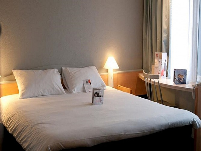 Chambre 1 Hôtel Ibis Destination Agen