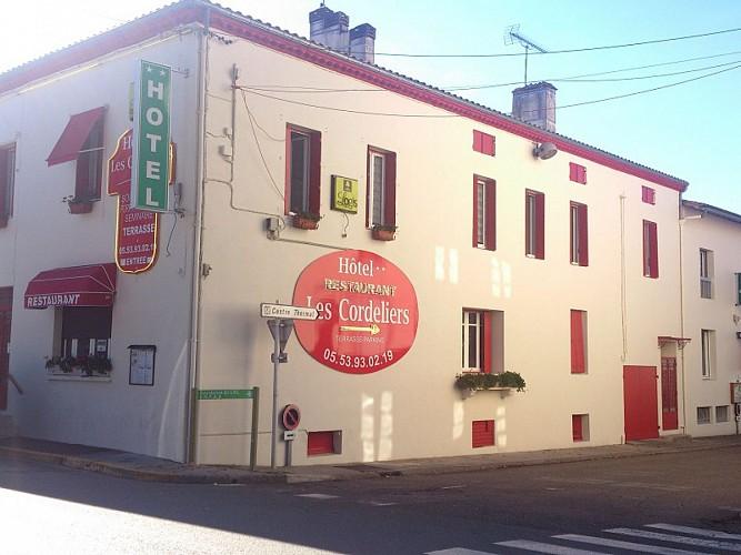 Casteljaloux-Les Cordeliers-angle façade