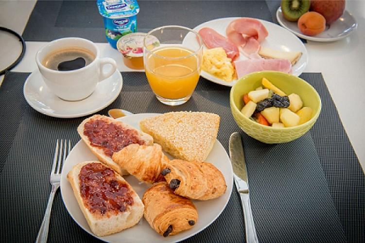 Hotel-Le-Lion-d-Or-2