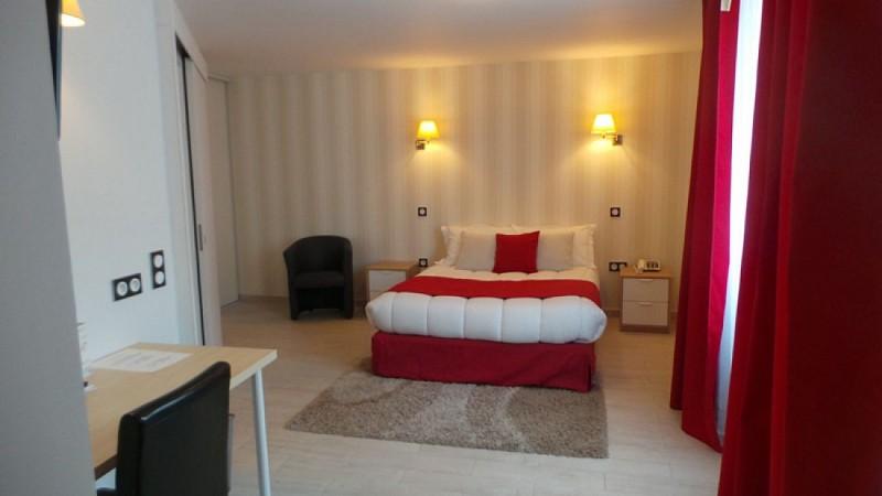 Hôtel-Les-Platanes2