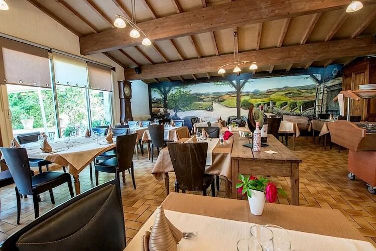 TOURNON D'AGENAIS_LES VOYAGEURS_ terrasse 1