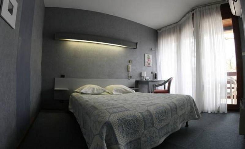 allemans-etapegasconne-chambre-beige
