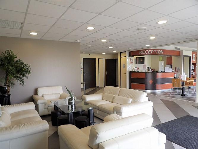Salon - Hall d'accueil - akena - castelculier - destination - agen - tourisme