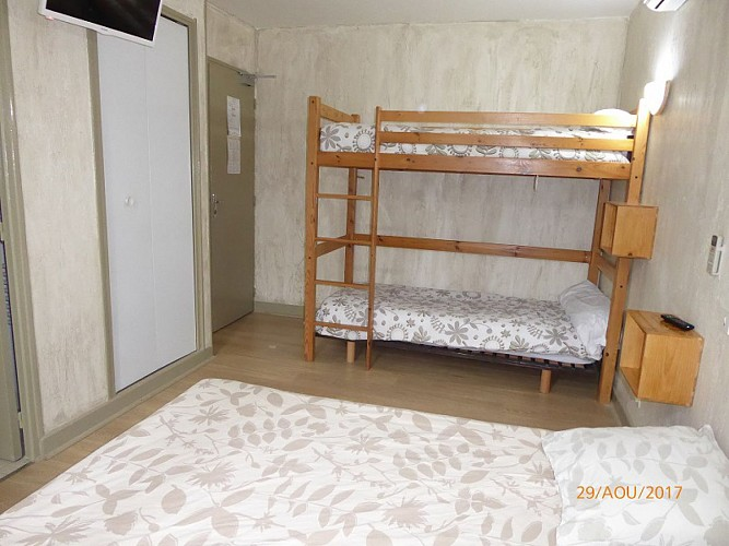 stpardoux-hotel-aubergedesbastides-2017101
