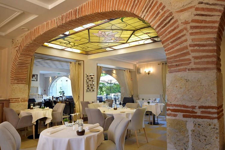 Château Saint-Marcel restaurant