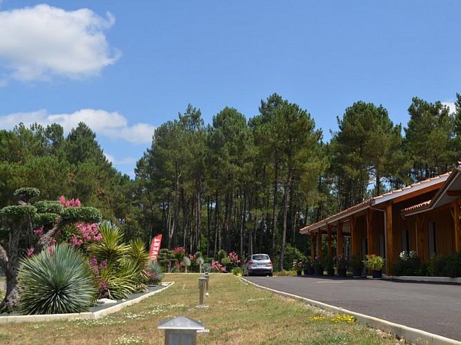 Exterieur-hotel-lac-2