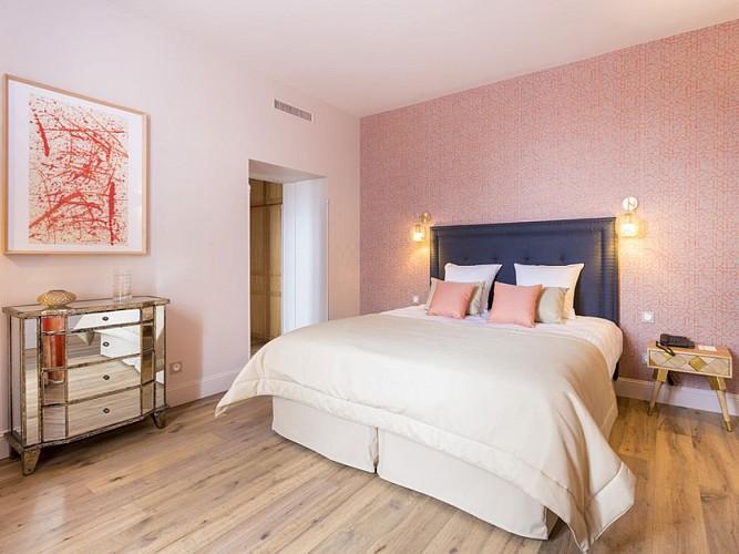 Clos-Castel-Hotel-Chambre-Confort-Terrasse-Douche