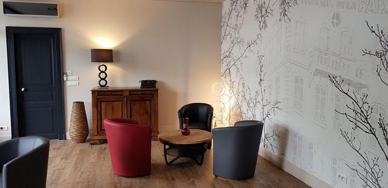 Hotel-de-la-Paix-OLORON-SAINTE-MARIE-Parking-bis-MIRAMON-PIERRE-DI