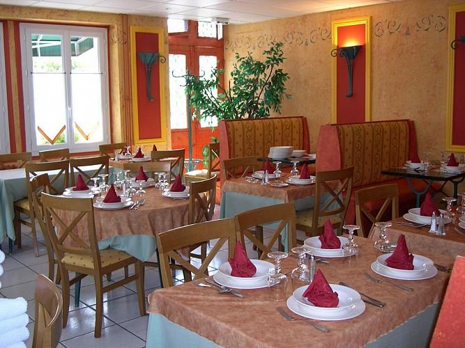 hotel restaurant du Midi 64120 Saint Palais  (3)