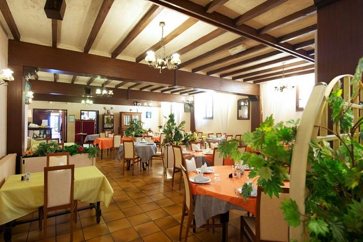 Hotel-de-france-restaurant-1-2