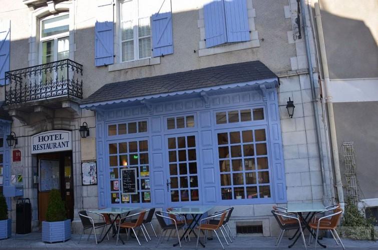 Hotel-de-france-restaurant-photo-entree-3