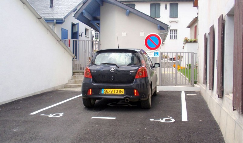 hoteldelaposte-parking