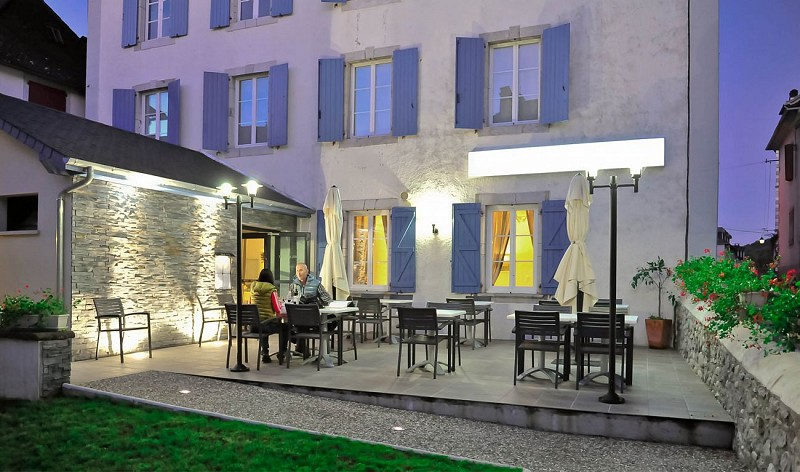 hotel-de-la-poste-terrasse-2