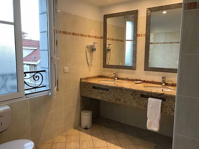 Hôtel Maitagaria salle de bain