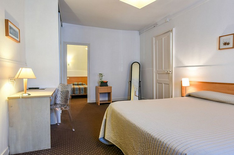 Val Flores suite 2