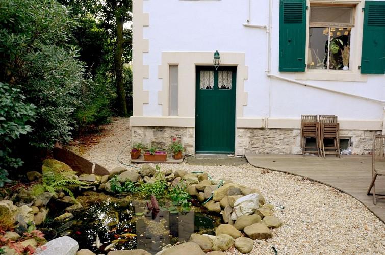Hotel-Saint-Charles-fontaine-Biarritz