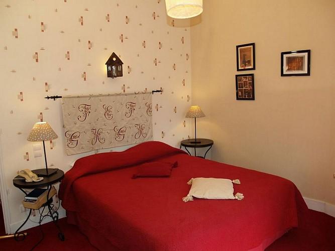 Hôtel Central - Pau - Chambre double rouge