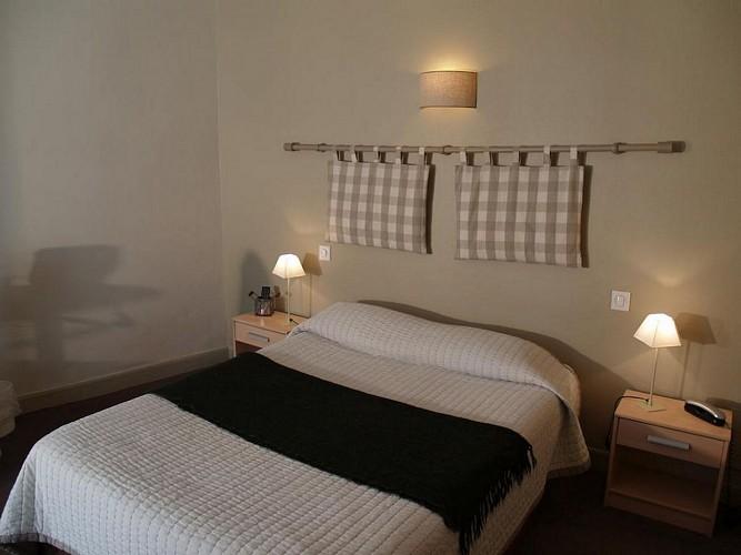 Hôtel Central - Pau - Chambre double carreau