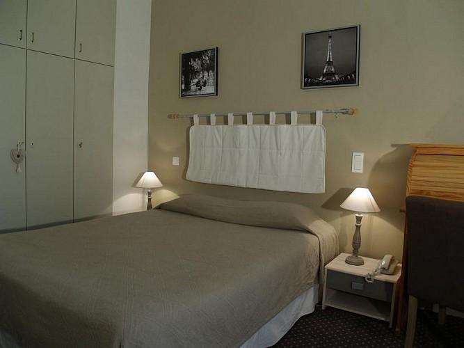 Hôtel Central - Pau - Chambre double beige