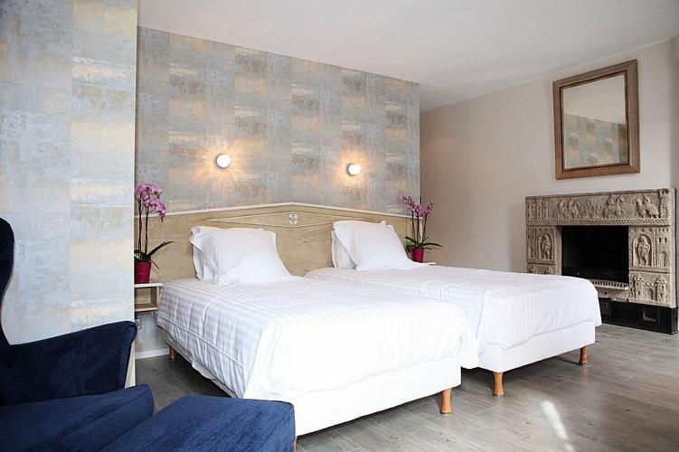 Hôtel Roncevaux - Pau - Chambre double cheminée