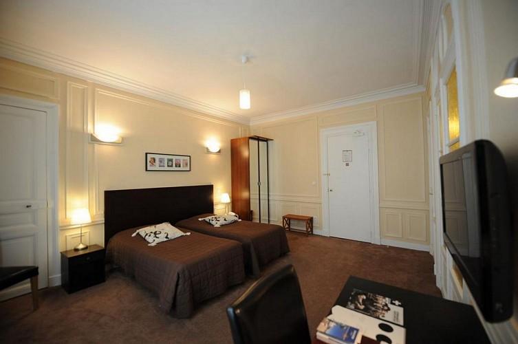 Best Western Continental - Pau - Chambre twin marron